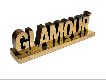 GLAMOUR320